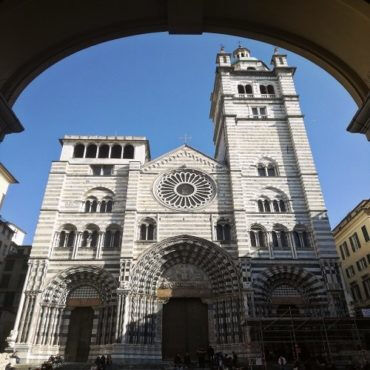 Templar symbolisms: the Cathedral of St. Lawrence in Genoa