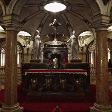 Longino e la tradizione dei Sacri Vasi di Mantova