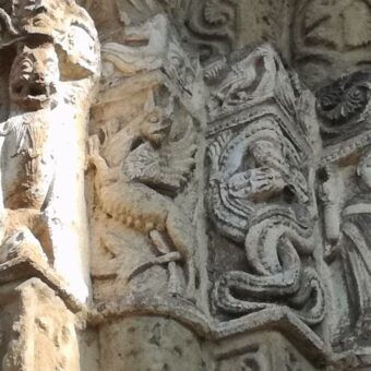 The dragon in the medieval symbology